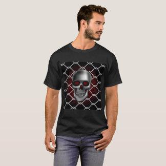 チェーン・リンクの塀が付いているスカル Tシャツ