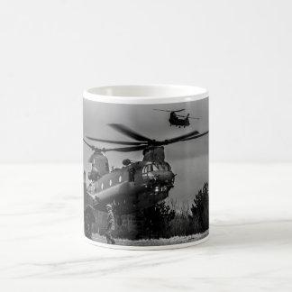 チヌックの給油 コーヒーマグカップ