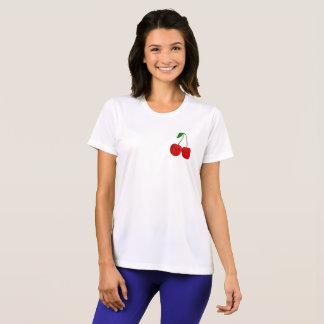 チビ(小さくかわいく書いた感じ)のさくらんぼ Tシャツ