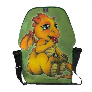 チビ(小さくかわいく書いた感じ)のドラゴン メッセンジャーバッグ