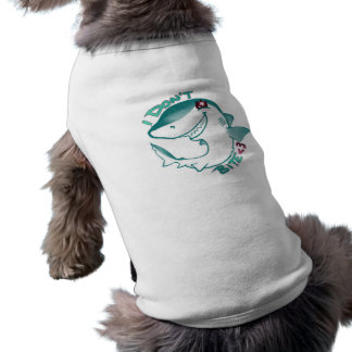 チビ(小さくかわいく書いた感じ)の鮫 ペット服