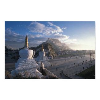 チベット-ラサ。 日の出のPotala フォトプリント