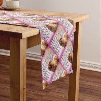 チャウチャウ犬のデザイン-娘の詩 ショートテーブルランナー