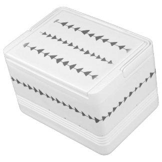 チャコールグレーの白くアステカな矢パターン IGLOO クーラーボックス