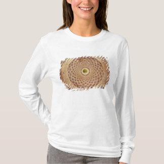 チャペルのキューポラの内部の眺め Tシャツ