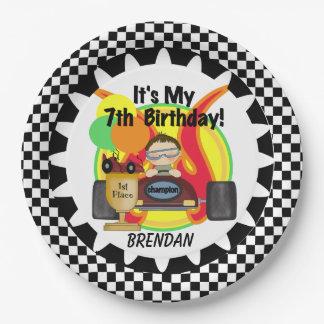 チャンピオンのレースカーの第7誕生日の紙皿 ペーパープレート