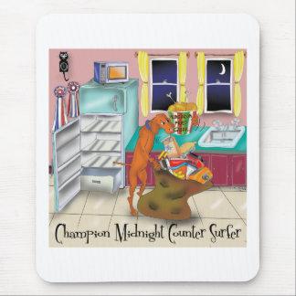 チャンピオンの反対のサーファー マウスパッド