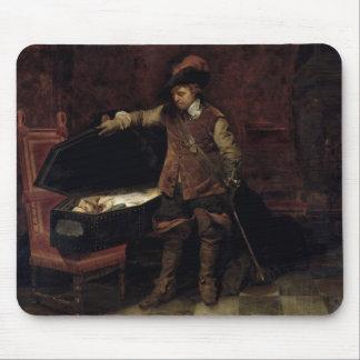チャールズの棺を開けているオリバー・クロムウェル マウスパッド