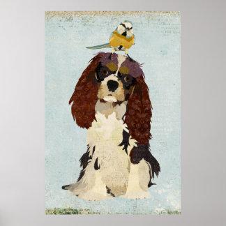 チャールズ王スパニエル犬及び小さい鳥の芸術ポスター ポスター