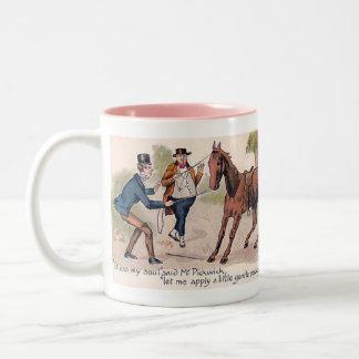 チャールズ・ディケンズの記念品のマグ ツートーンマグカップ