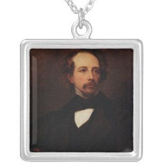 チャールズ・ディケンズ1855年のポートレート シルバープレートネックレス