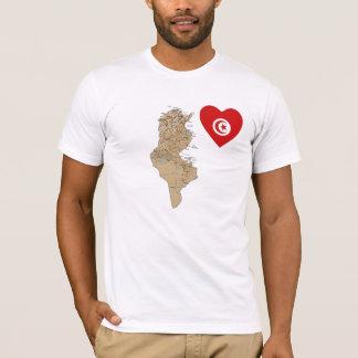 チュニジアの旗のハートおよび地図のTシャツ Tシャツ