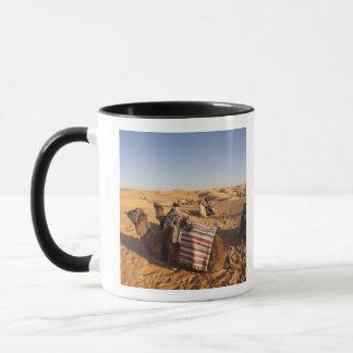 チュニジアのKsour区域、Ksar Ghilane、壮大なエルグ3 マグカップ