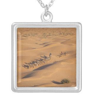 チュニジアのKsour区域、Ksar Ghilane、壮大なエルグ4 シルバープレートネックレス