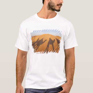 チュニジアのKsour区域、Ksar Ghilane、壮大なエルグ5 Tシャツ
