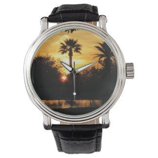 チューソン上の金日没 腕時計