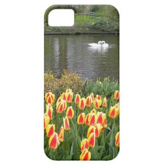 チューリップが付いている湖、Keukenhofによる白鳥 iPhone SE/5/5s ケース