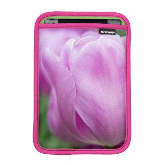 チューリップのクローズアップ iPad MINIスリーブ