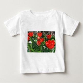 チューリップの夏 ベビーTシャツ