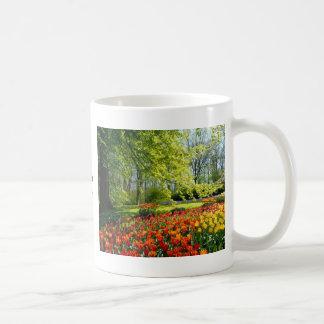 チューリップの時間、Keukenhofの庭 コーヒーマグカップ