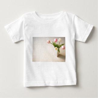 チューリップ Ⅰ ベビーTシャツ