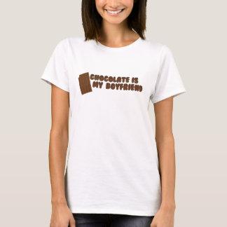 チョコレートは私のBFです Tシャツ