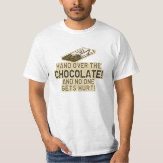 チョコレートを引き渡して下さい Tシャツ