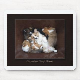 チョコレートコーギーのキス マウスパッド