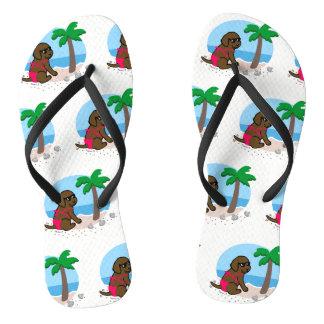 チョコレートラブラドールの女の子の夏期休暇のビーチサンダル ビーチサンダル