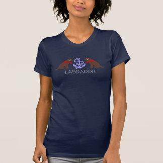 チョコレートラブラドールの着席の輪郭の航海のなTシャツ Tシャツ