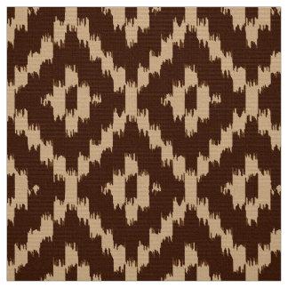 チョコレート色およびベージュイカットのダイヤモンドパターン- ファブリック