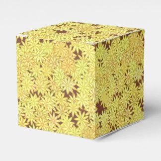 チョコレート色の黄色および金ゴールドのデイジー フェイバーボックス