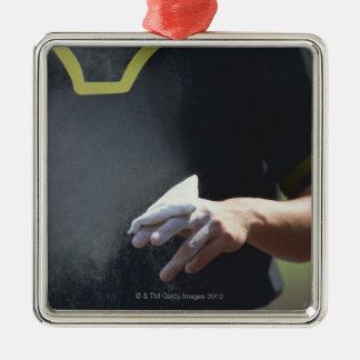 チョークの袋を握る水差し メタルオーナメント