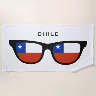 チリはカスタムな文字のビーチタオルを影で覆います ビーチタオル