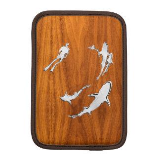 チークのベニヤの鮫を持つクロムダイバー iPad MINIスリーブ