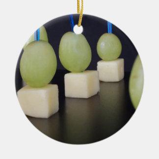 チーズおよびブドウ セラミックオーナメント