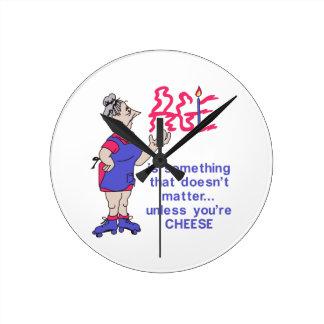 チーズでなければ ラウンド壁時計
