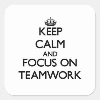 チームワークの平静そして焦点を保って下さい スクエアシール