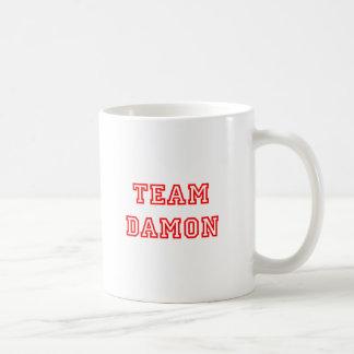 チームdamon alls red.png コーヒーマグカップ