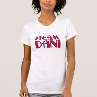 チームDaniのスコップのTシャツ Tシャツ