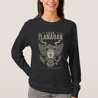 チームFLANAGANの寿命のメンバー。 ギフトの誕生日 Tシャツ