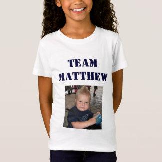 チームMatthew -小さな女の子 Tシャツ