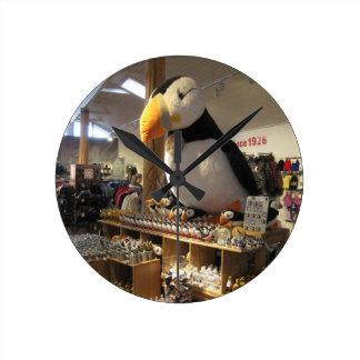 ツノメドリの写真が付いている円形の柱時計 ラウンド壁時計