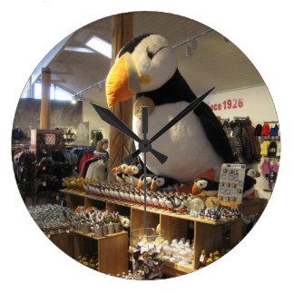 ツノメドリの写真が付いている円形の柱時計 ラージ壁時計