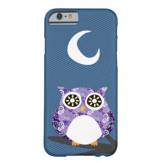 ツリーブランチの夜に冷えている紫色のフクロウ BARELY THERE iPhone 6 ケース