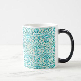 ティール(緑がかった色)の水の水彩画のダマスク織のグラデーションな青写真 マジックマグカップ