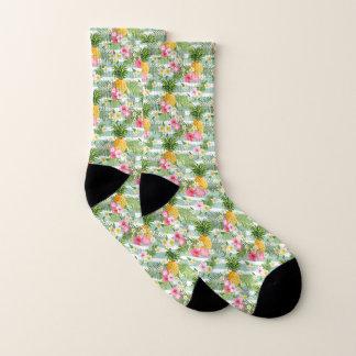 ティール(緑がかった色)の熱帯花及びパイナップルは縞で飾ります ソックス