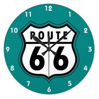 ティール(緑がかった色)の緑のルート66の印 ラージ壁時計