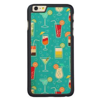 ティール(緑がかった色)の背景のカクテルパターン CarvedメープルiPhone 6 PLUS スリムケース