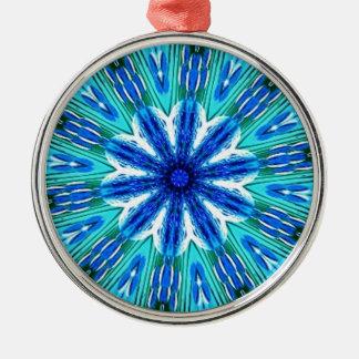 ティール(緑がかった色)の青いビーズの花の万華鏡のように千変万化するパターン メタルオーナメント